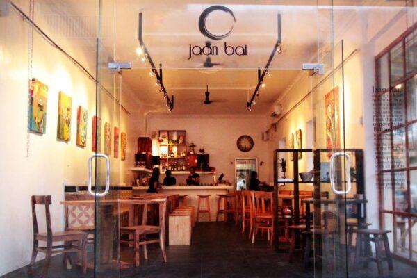 Delicious Restaurant & Bar